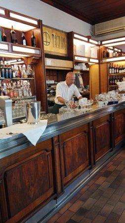 bancone bar - Picture of Tagiura, Milan - TripAdvisor