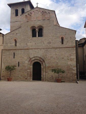 Spoleto, İtalya: Basilica