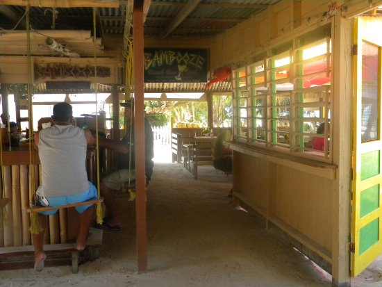 Caye Caulker, Belize: bar hustawkowy