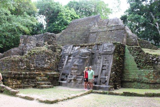 El Pescador Resort: Lamanai ruins