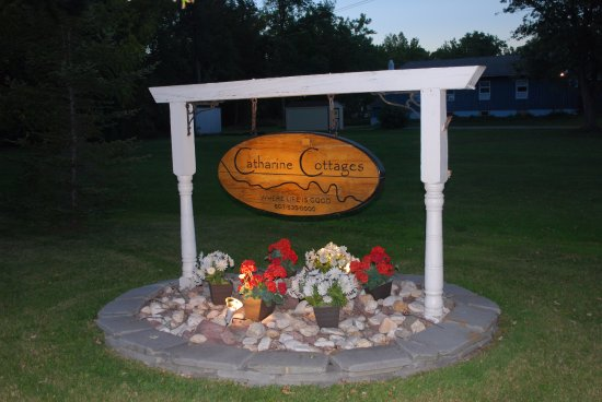 Montour Falls, NY: Front Entrance