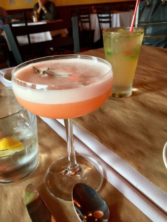 Suquamish, WA: Great cocktails with different ingredients.  Seasonal PNW cuisine.  Bacon wrapped dates stuffed