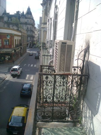Loft & Arte Apart Boutique: Balcón sobre calle Salta
