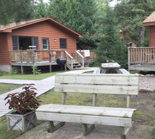 Pequot Lakes, MN: Example of one of the cabins.