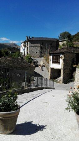 Buesa, İspanya: IMG_20160918_144055_large.jpg