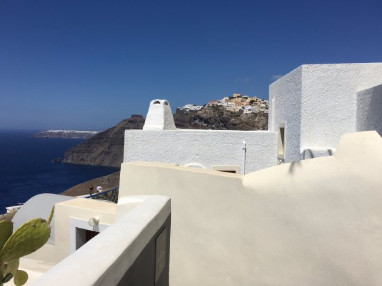 Pantelia Suites: Views from one end of the island to the other