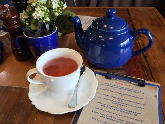 Burrawang, Australien: Yummy breakfast menu and I love their teapot