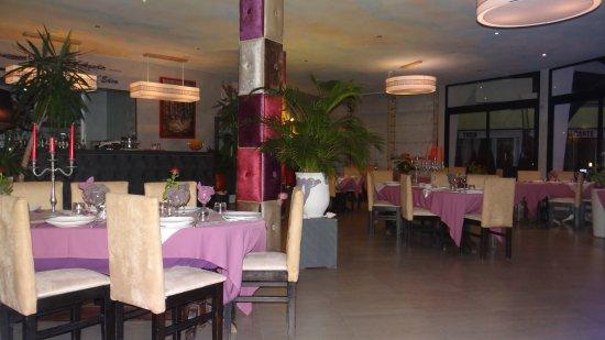 L'Eden: salle intérieure du restaurant