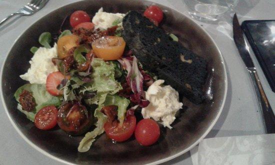 Рожнов-под-Радгоштем, Чехия: tomato and mozzarella salad