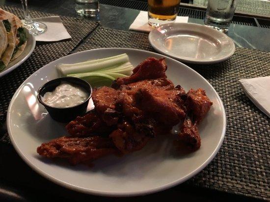 Merchants NY - 7th Ave : Buffalo Wings
