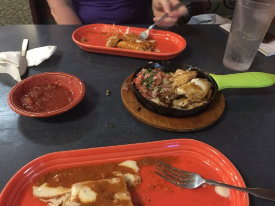 Monte Real Mexican Restaurant: Seafood plata w/ shrimp, lobster, scallops and tilapia. Mango pico on the side and mozzarella!