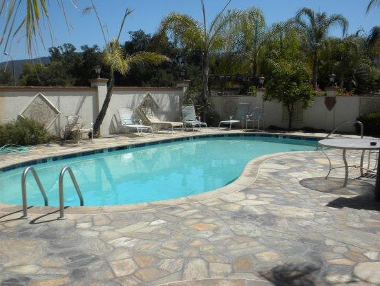 Ojai, CA: Nice sized pool