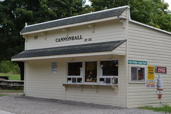 Cannonball Inn and Catering: Neat little eatery
