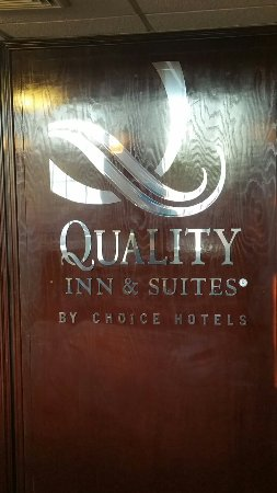 Quality Inn & Suites Airport: 20160918_184758_large.jpg