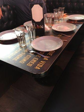 Lanús, Argentina: Buena presentacion de la mesa