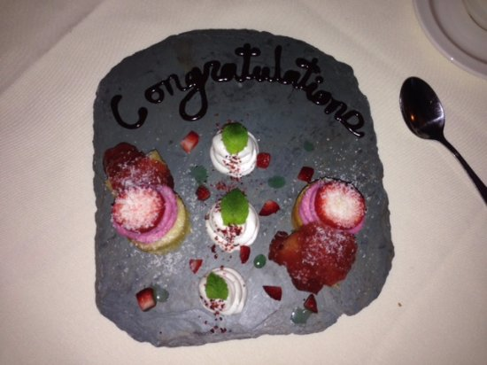 Briarhurst Manor: Special dessert the chef created to help us celebrate!