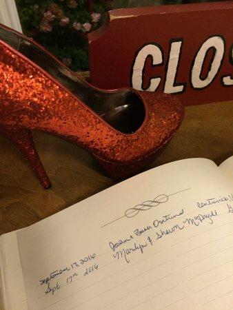 The Red Shoe Pub: photo3.jpg