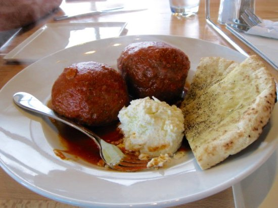 Vaudreuil-Dorion, Canada: meat ball