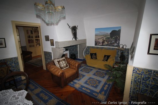 Casa D. Diogo - Turismo de Habitacao: Sala de televisão