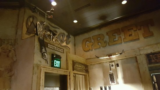 Hudson, OH: Restaurant Decor