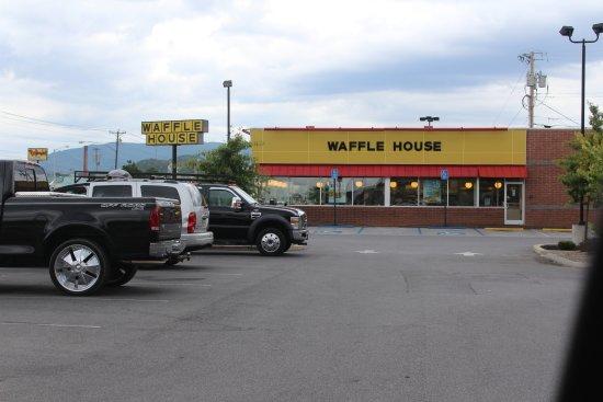 Elizabethton, TN: store front