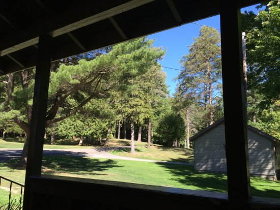 Glen Iris Inn: View from the front porch