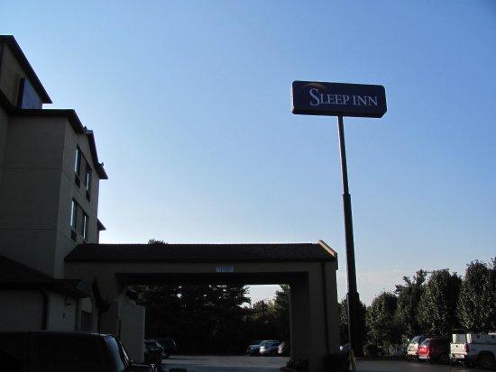 Sleep Inn Murfreesboro: View from parking lot