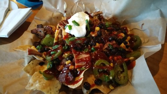 Ballwin, MO: Brisket Nachos - One of the best items on the menu!!