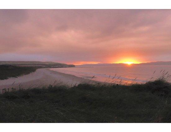 Strand House Bed and Breakfast: Portstewart September Sunset