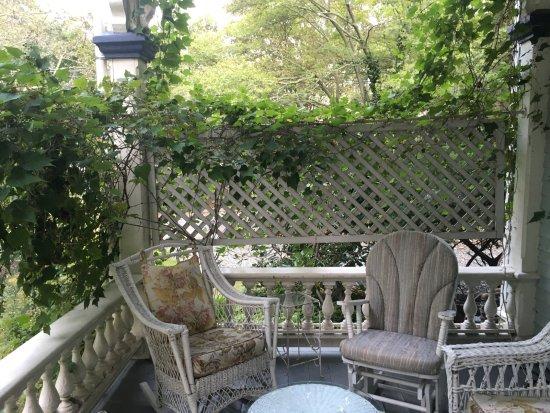 Architect's Inn - George Champlin Mason House: Porch