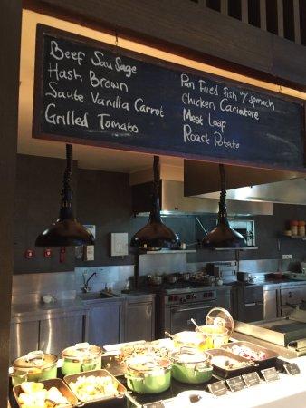 InterContinental Jakarta MidPlaza: Buffet breakfast @ Rasa Restaurant