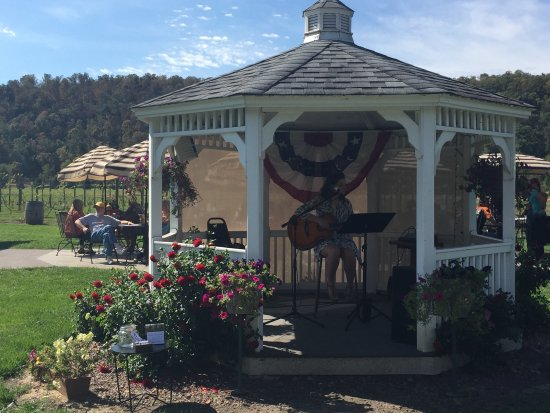 Maiden Rock, WI: A picturesque restaurant on the Rush River