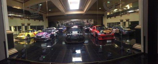 """มัวส์วิลล์, นอร์ทแคโรไลนา: The DEI Car Museum at the """"Garage Mahal"""""""