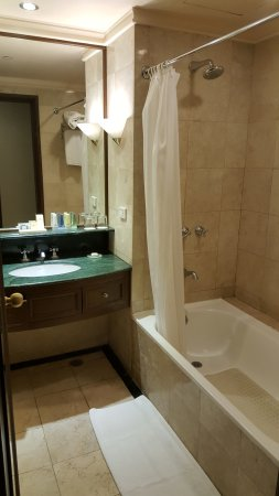 Marco Polo Davao: vanity needs refurbishing