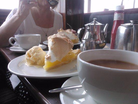 Тинмут, UK: Lemon meringue