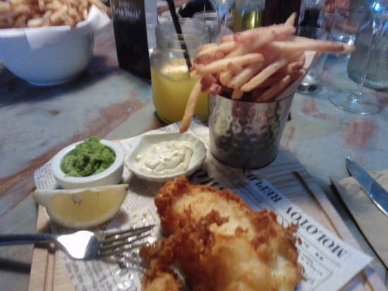 Teignmouth, UK: The hand battered fish and chips
