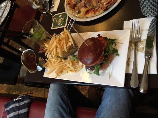 Phoenix: Burger Steak für 15,90€