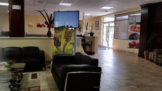 Quality Inn & Suites Near Fairgrounds Ybor City: Lobby