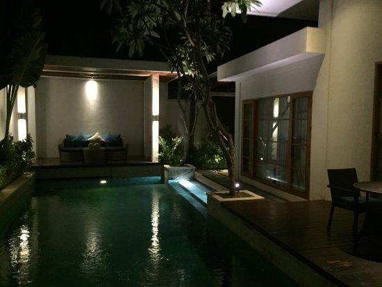 Sensationelle villa mit privatpool und riesigem badezimmer mit ...