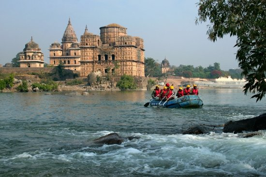 Мадхья-Прадеш, Индия: River Rafting at Orchha