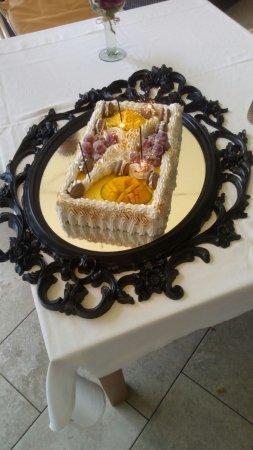 San Rafael, إسبانيا: Nuestra tarta nupcial (de mango), buenisima!!!