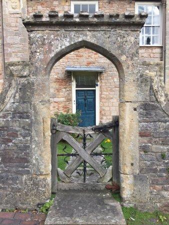 Vicar's Close: photo1.jpg