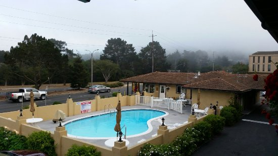Super 8 Monterey / Carmel: 20160908_024510_large.jpg