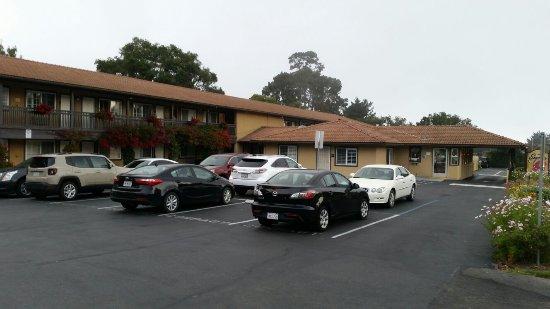 Super 8 Monterey / Carmel: 20160908_031132_large.jpg