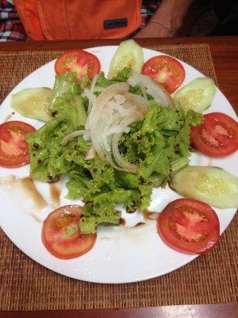 Mecca - Lemongrass restaurant: Салат с потрясающей заправкой!
