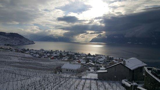 Grandvaux, Swiss: Chaque instant et magique dans ce Caveau Corto.