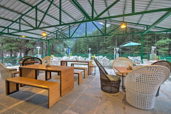 Golden tulip manali updated 2018 hotel reviews price for Open terrace restaurants