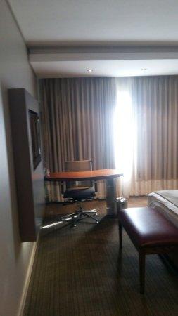 Holiday Inn Johannesburg-Rosebank: 20160814_145325_large.jpg
