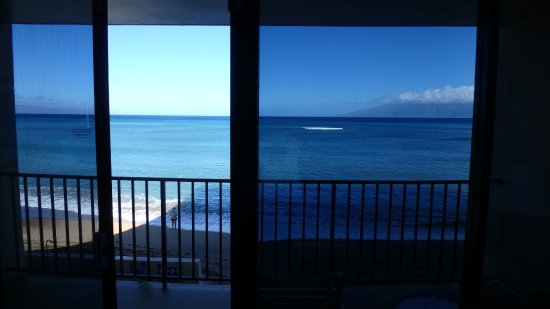 Kahana Beach Resort: 目の前が海