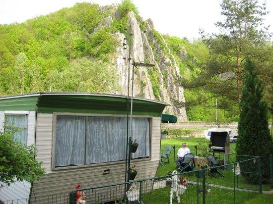 Comblain-la-Tour, Belgium: Vue sur  le rocher de la vierge et la rivière